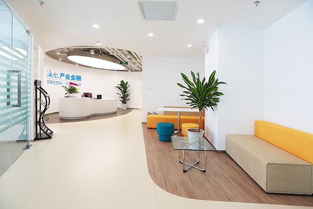 小办公室装修设计如何增加空间感