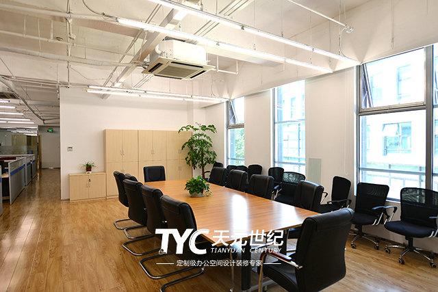 办公室装修设计是要先装地板还是先安门?